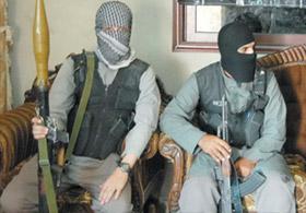 PKK Uzantısı PYD Silahlarını Esedden Alıyor