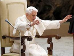 Papa İstifasının Nedenini Kendi Ağzından İzle