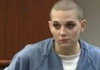 Renee Alway Saçlarını Kazıttı