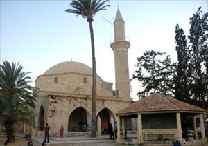 Rumlar Hala Sultan Camii