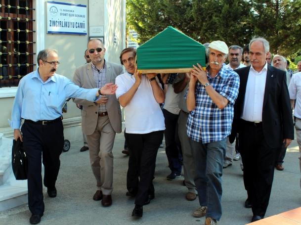 Sair Sedat Umran Topraga Verildi Şair Sedat Umran Toprağa Verildi