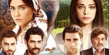 Selin ޞekerci Eren Hacısalihoğlu Berber Mi